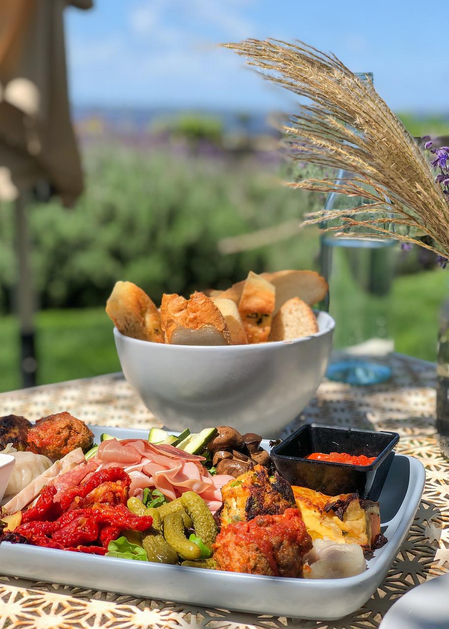 Best Garden Design and Arrangement Tips for Regular Al Fresco Dining