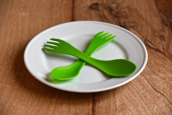 What are the Advantages of choosing Plastic Plates